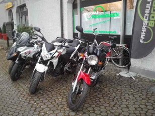 Motorrder vor FSklein
